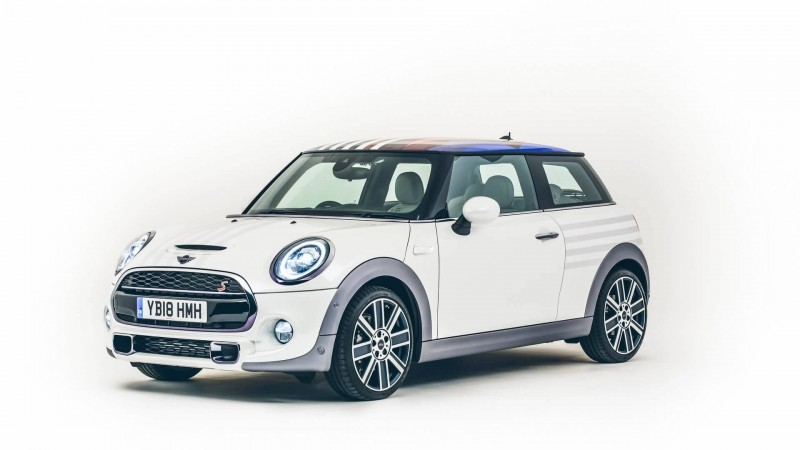 LECOMP INTERNATIONAL GROUP C.A  - Conoce el Mini Cooper S creado para Harry y Meghan
